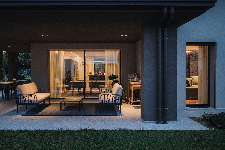 Villa con piscina con cucina bulthaup b3